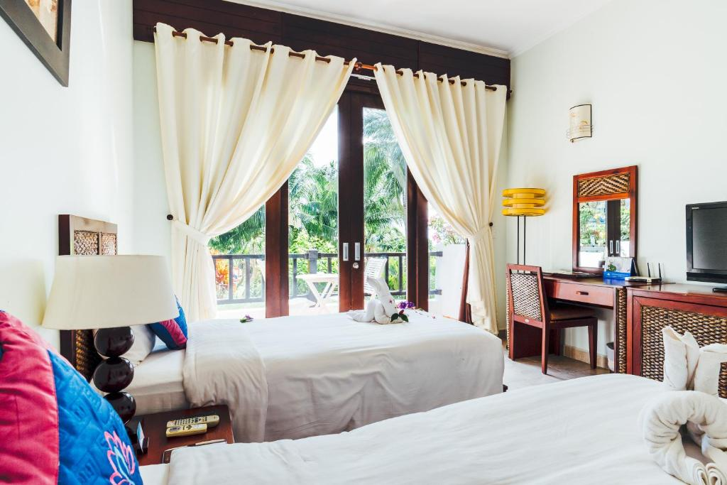 Deluxe Room with Garden View